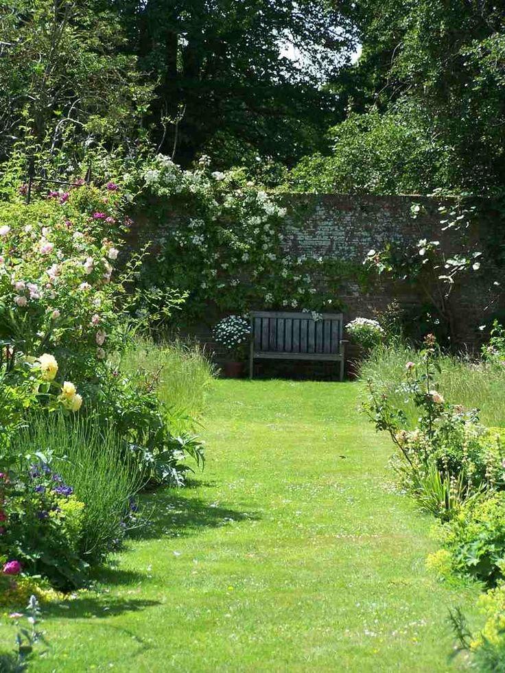 ZsaZsa Bellagio – Like No Other:  English garden