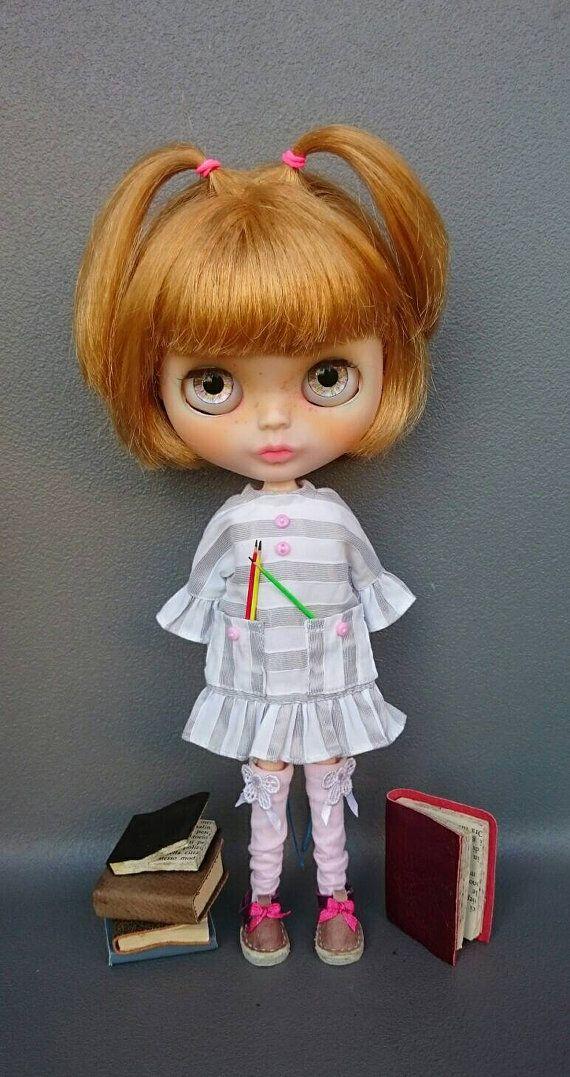 Guarda questo articolo nel mio negozio Etsy https://www.etsy.com/listing/459803852/blythe-dress-arts-back-to-school-theme