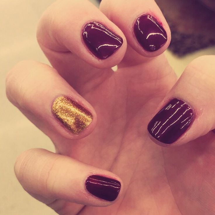 Ring day nails for my aggie ring! #aggiering #ringday #gold #maroon @aggieoutfitters