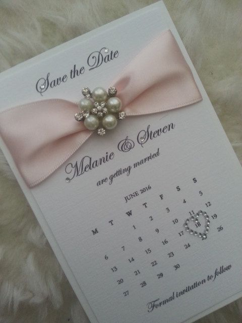 25x Pearl Wedding Calendar Save the Dates by StylishStationery