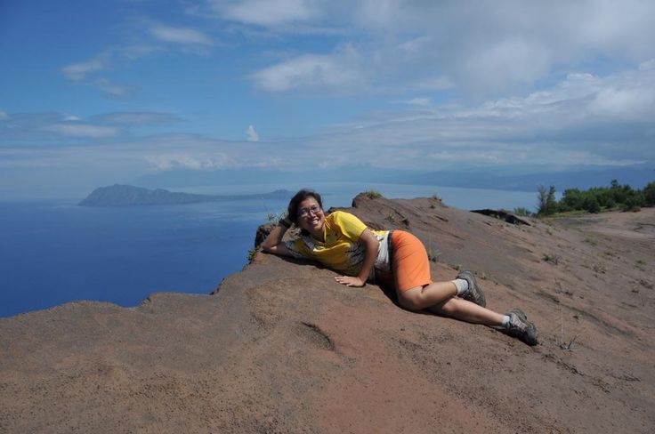 VOLCANO HIKKING TOUR  MOUNT EGON ...WWW.FLORESTREKKINGTOUR.COM