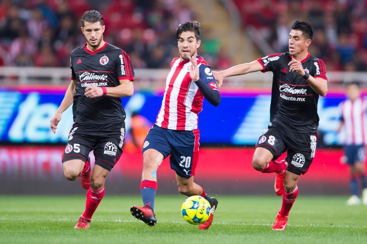 ARBITRAJE, CONTRA CHIVAS: RODOLFO PIZARRO El jugador de Rebaño pidió a los silbantes estar más atentos a las jugadas y no tener miedo de expulsar a extranjeros.