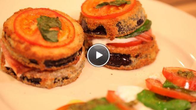 Torre di Melenzane (toren van aubergine) & Salade Caprese con pesto (tomaten mozzarella met pesto) - recept | 24Kitchen