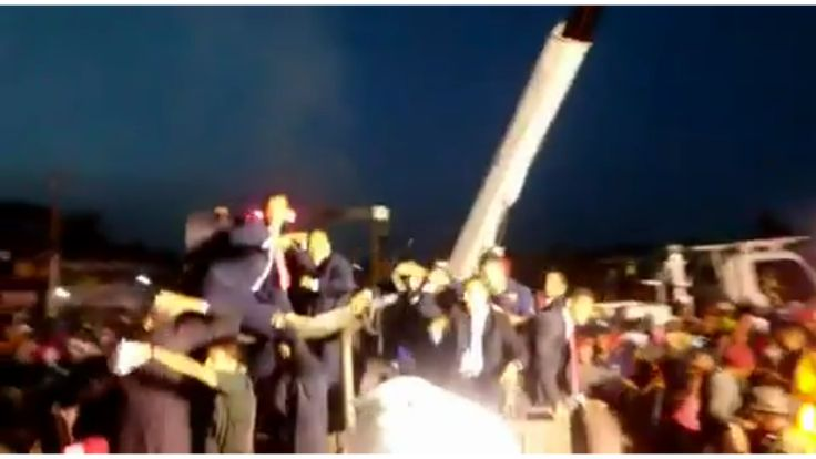 Multitud lanza objetos a Nicolás Maduro durante desfile militar