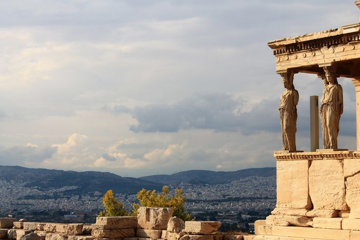 Athens hotel occupancy rates rise but prices trail competitors