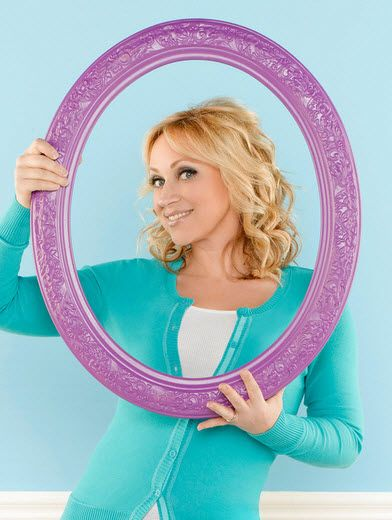 "Dis411 Leigh-Allyn Baker Tweeted Her Thanks To The ""Good Luck Charlie"" Fans, Her Cast And Disney Channel"