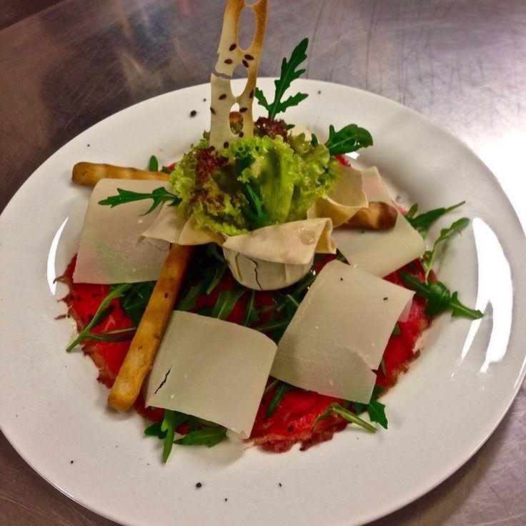 Wer hat Lust auf Carpaccio?  http://ift.tt/1TjHHCj  #Winter #Inverno #loverthemountains #Sulden #Solda #Snow #Schnee #Neve #Skifahren #Sciare #Skiing #Toppisten #Schneesicher #Neuschnee #Neve_Fresca #Powder #Urlaub #Winterurlaub #Snowboard #Südtirol #Alto_Adige #South_Tyrol #Ortler #Eisklettern #Alpen #Restaurant #Pizzeria #Burger #Hotel #Jugendherberge