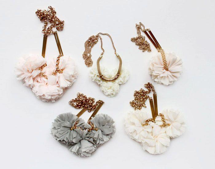 Fabric necklaces: Pompoms, Pom Poms, Bridesmaid Necklaces, Metals Necklaces, Vamoos, Metal Necklaces, Pom Necklaces, Fabrics Necklaces, Pom Factories