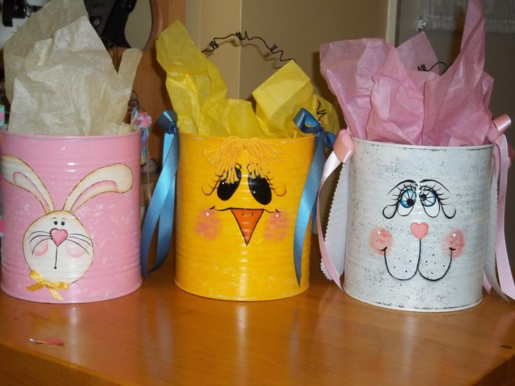Turn your used coffee cans into adorable decorations for Easter! #Easter #Coffee