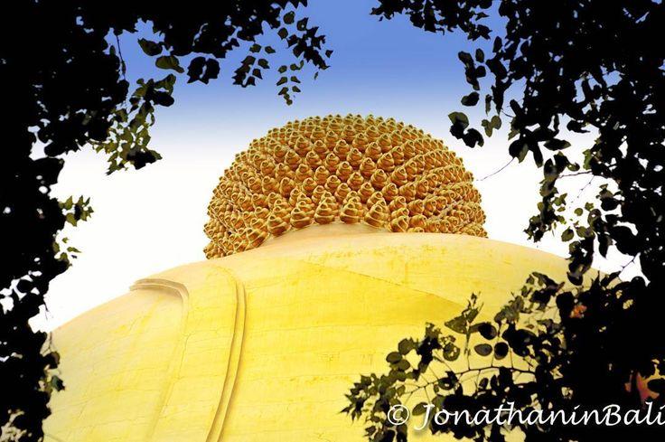 The Big Budda Ang Thong Thailand  For the ebook The Bangkok Story an Historical Guide to the Most Exciting City in the World - go to http://ift.tt/2kq9do7  #aroundtheworld #worldtraveler #jonathaninbali #www.murnis.com #travelphotography #traveler #lonelyplanet #travel #travelingram #travels #travelling #traveling #instatravel #asian #photo #photograph #outdoor #travelphoto #exploretocreate #createexplore #exploringtheglobe #theglobewanderer #mytinyatlas #planetdiscovery #roamtheplanet…