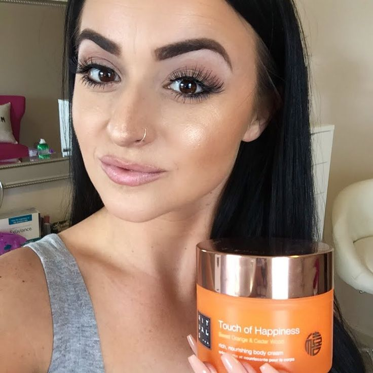 Sarah O loves the rich, velvety formulation of her gifted Rituals Touch of Happiness Body Cream. Click through to learn more about this #MyRituals must-have.