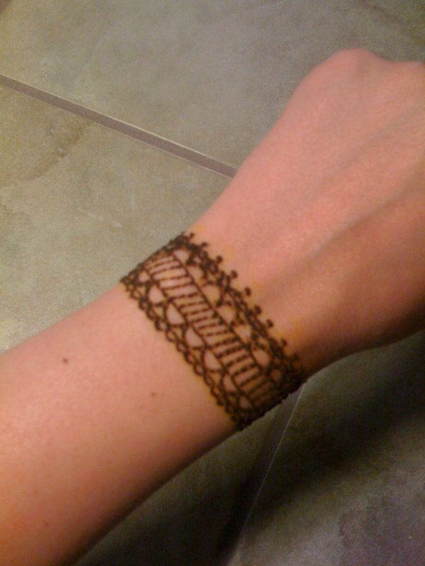 Best 25 Henna Tattoo Wrist Ideas On Pinterest  Henna