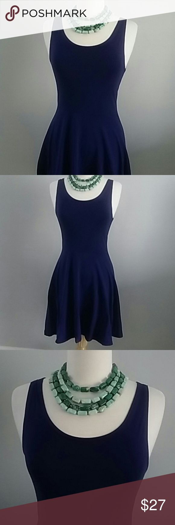 TOPSHOP SUPER CUTE VIOLET SLEEVELESS DRESS SIZE 6 TOPSHOP SUPER CUTE VIOLET DRESS COTTON LYCRA BLEND. TANK TYPE TOP WITH A FLIRTY SKIRT DESIGN ON THE BOTTOM. SIZE 6. Topshop Dresses