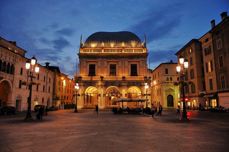 Brescia - Piazza Loggia