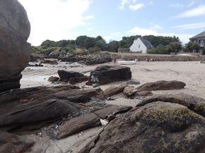 Salut les filles,     Connaissez-vous les îles Chausey?    Ce sont les îles anglo normandes.     Certains y vivent mais dans l'ensemble c...