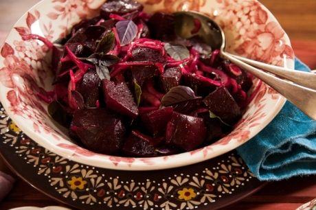 Salada de beterraba, cebola roxa e balsâmico | Panelinha - Receitas que funcionam