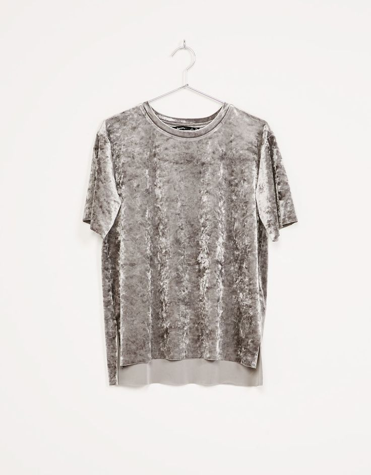 Camiseta terciopelo - Novedades - Bershka España