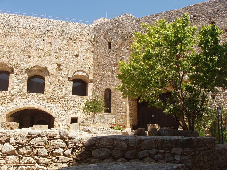 Hlemoutsi Castle (KAstro village, Kyllini)