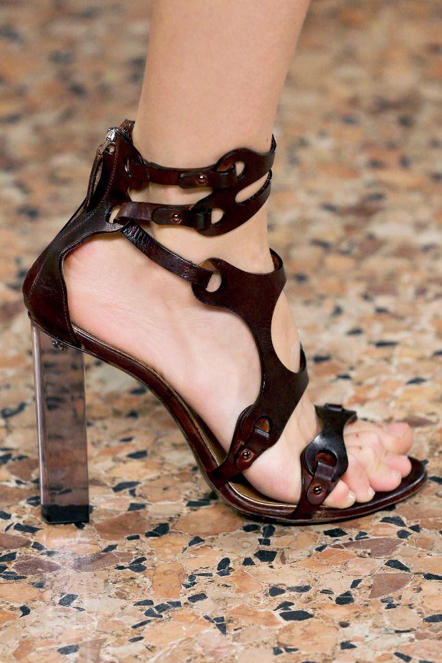 Под каблуком бердск каталог обуви