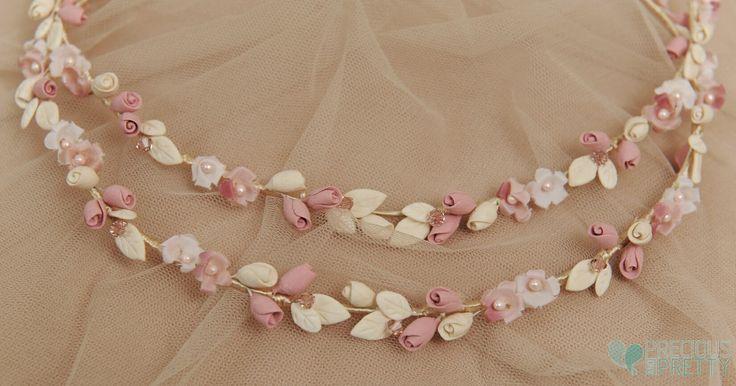 Στέφανα γάμου ρομαντικά με ροζ και ιβουάρ λουλούδια! www.preciousandpretty.gr #gamos #stefana #romantika #preciousandpretty