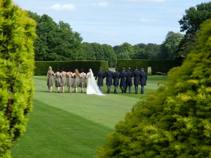 Stunning photo opportunities in the gardens of Hampden House