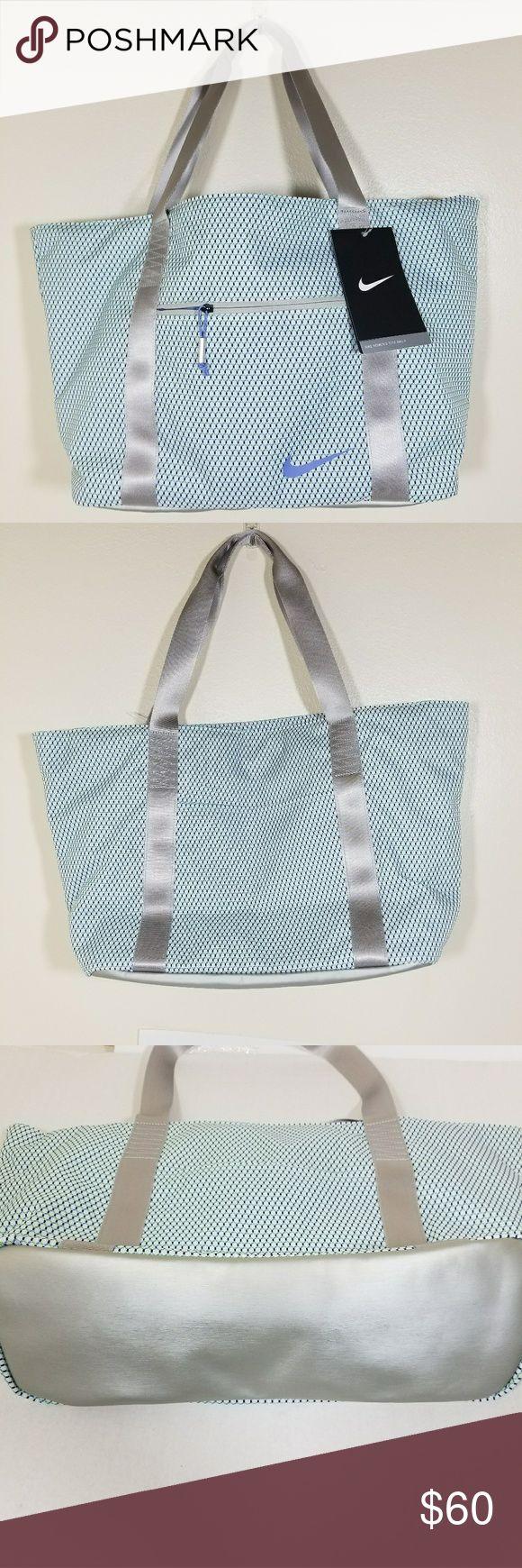 Nike tote bag ii golf women's New with tags Smoke free &pet free home Nike Bags Totes