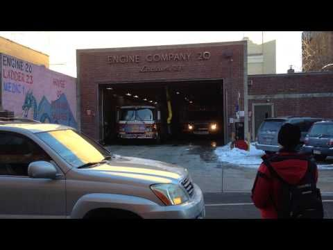 """PHILADELPHIA FIRE DEPARTMENT PIPELINE ENGINE 20, """"PFD"""", RESPONDING WITH Q SIREN FROM IT'S QUARTERS. - YouTube"""