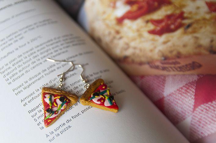 Boucles d'oreilles pizza fimo - pizza tomates olives jambon : Boucles d'oreille par coquelicocotte