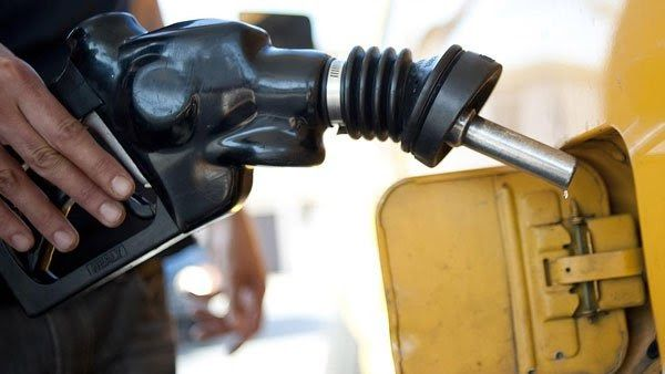 The Department of Petroleum Resources (DPR) has sealed 8 filling stations in Gusau for allegedly selling petrol above N145 and dispensed 8000 litres of the product free of charge to motorists.  The Operations Controller in charge of DPR field office Gusau Mr Ango Haruna disclosed this while addressing newsmen in Gusau on Friday after surveillance patrol to some filling stations in Gusau on Friday.  The Controller also said that the department from Monday to Friday sealed the stations in the…