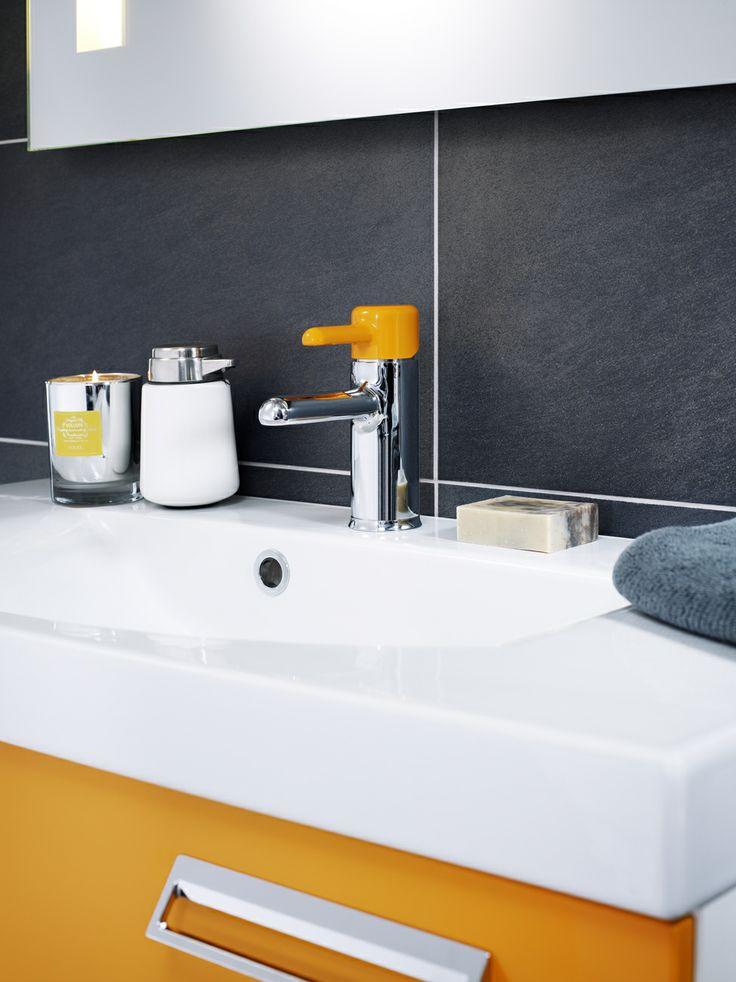 Tvättställsblandare från Logic här i färgen Crazy Orange. Sätter en personlig prägel på ditt badrum. | GUSTAVSBERG