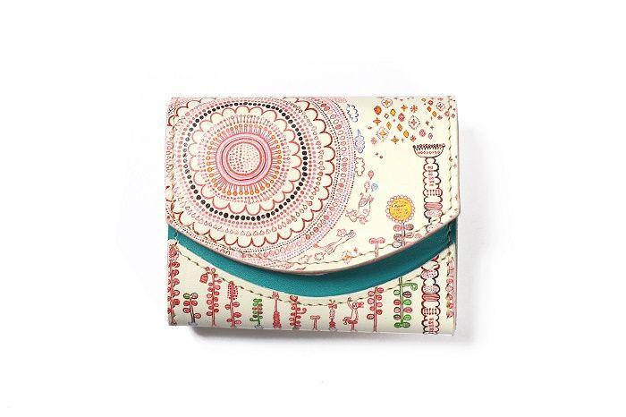 ちょっとしたお買い物。小さなバッグで参加したい結婚式。和装。旅。 そんな時に活躍してくれる小さくて、しかも、か […]