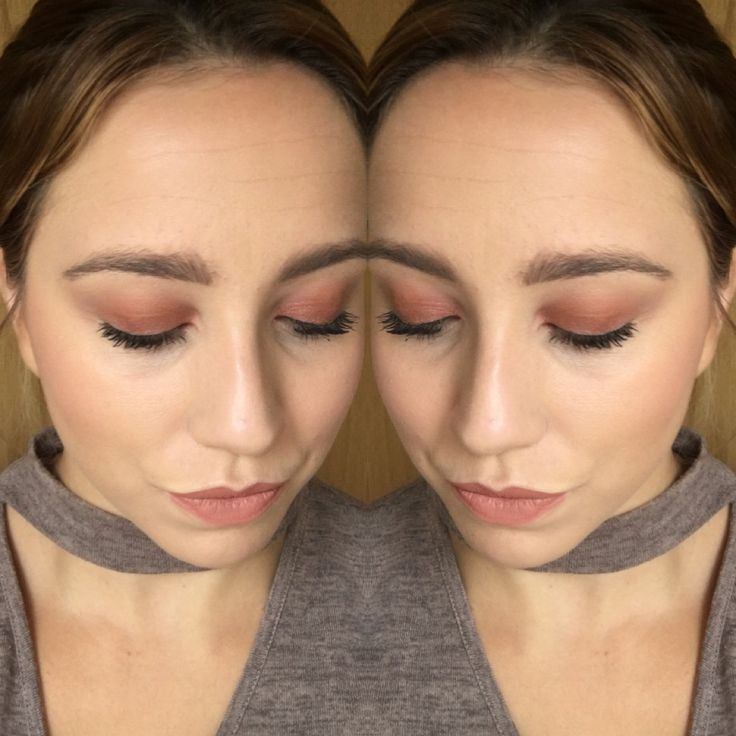Younique splurge cream in unapologetic  sunset eyes www.becausemakeupisourhobby.com