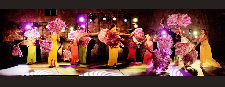 Mayan New Year's Eve 2012 #mayan #party #feathers #dancers #gold #mirrors www.eventsandtents.co.za