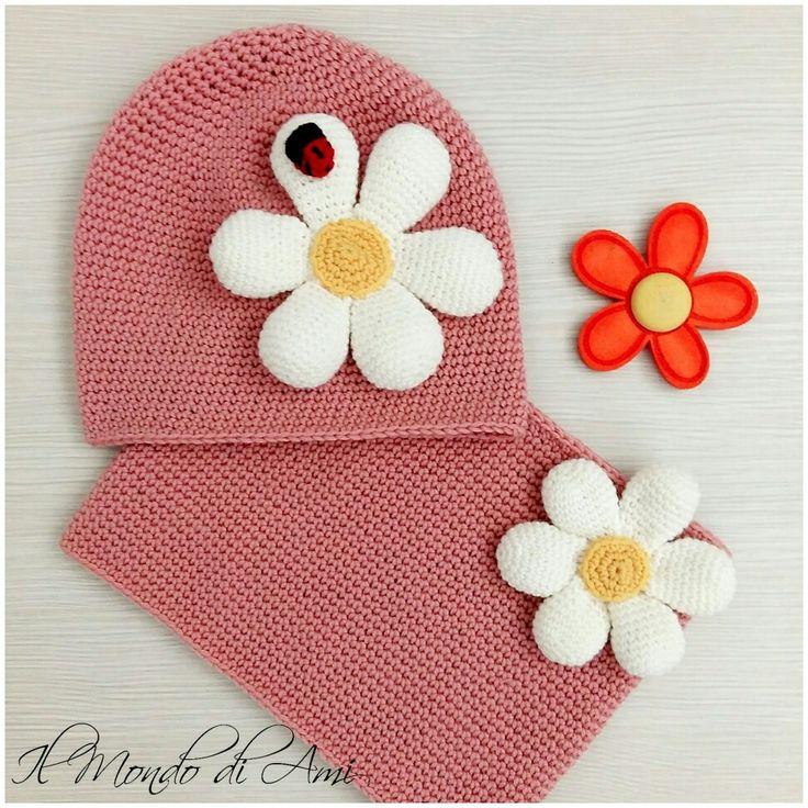 Berretto e collo/sciarpa Margherita #berretto #hat #collo #cowl #scarf #sciarpa #margherita #fiori #bimbi #kids #crochet #uncinetto #handmade #fattoamano #filato #daisy
