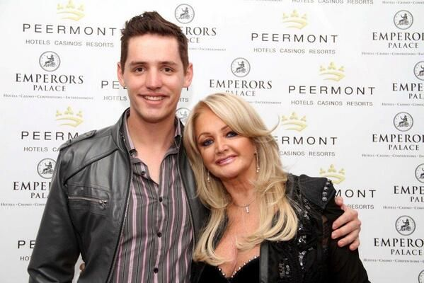 Here is a lovely picture of Bonnie Tyler taken in South Africa at the Emperors Palace.  Photo: Jake Du Toit