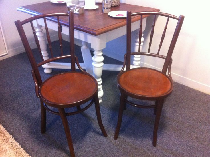 Neat old thonet chairs