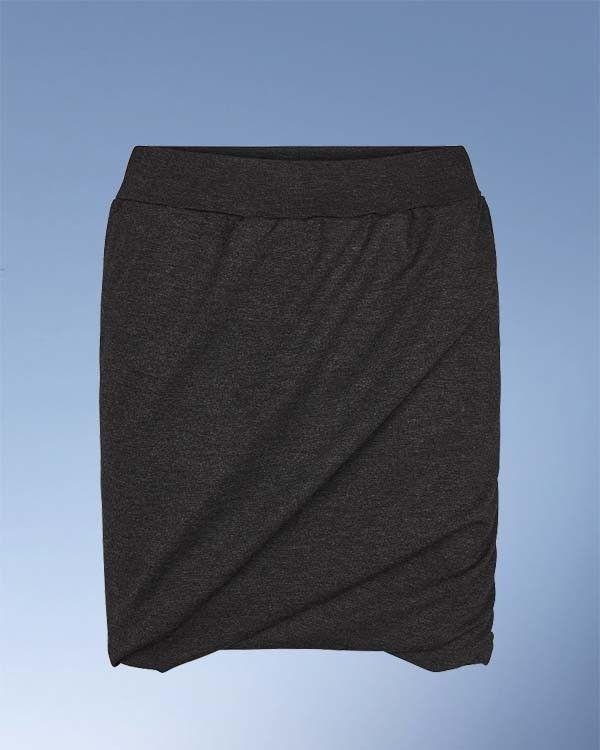 Smart nederdel i kraftig jersey. Punto Roma er strækbar og holder faconen flot.