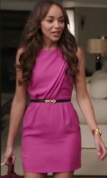 I like this character's style! Revenge - Ashley Davenport. Amazinha pink dress!