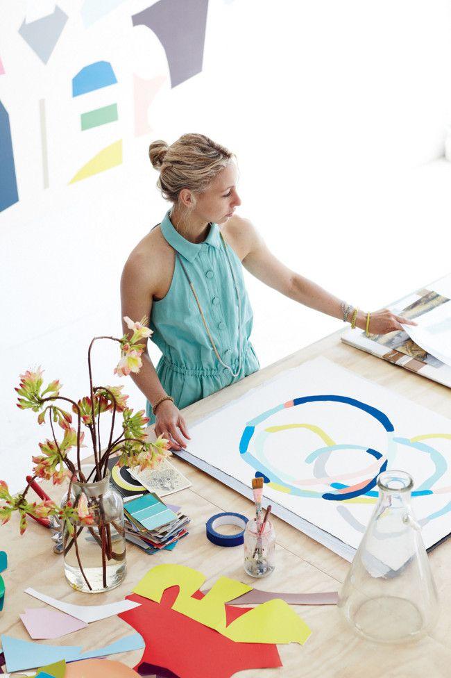 Kleurrijk huis vol grafische kunst