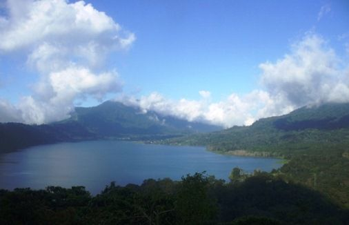 Lake Buyan - Beautiful Lake And Water Natural Resource