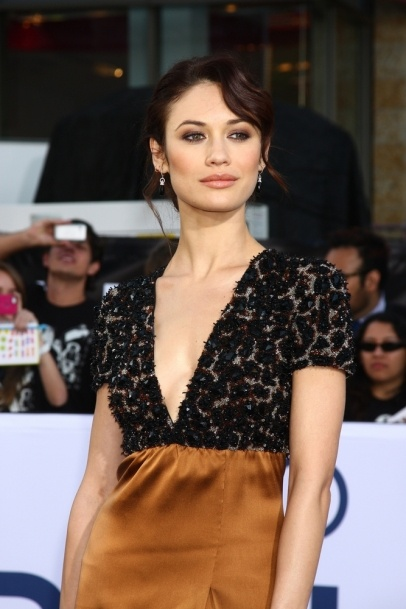 """Olga Kurylenko arrives at the """"Oblivion"""" Premiere at the Dolby Theater in Los Angeles, CA #beauty #makeup #celebrity #looks"""