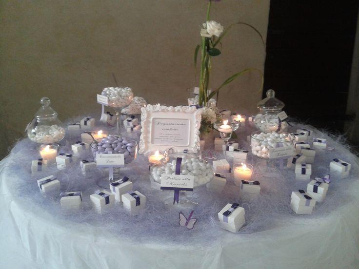 White table - Degustazione confetti in lilla e viola