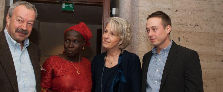 """da sinistra: Franco Bergamaschi fondatore de L'Erbolario, """"Rama"""" rappresentante di Gouriki samba diom, Daniela Villa co-fondatrice de L'Erbolario, Luigi Bergamaschi"""