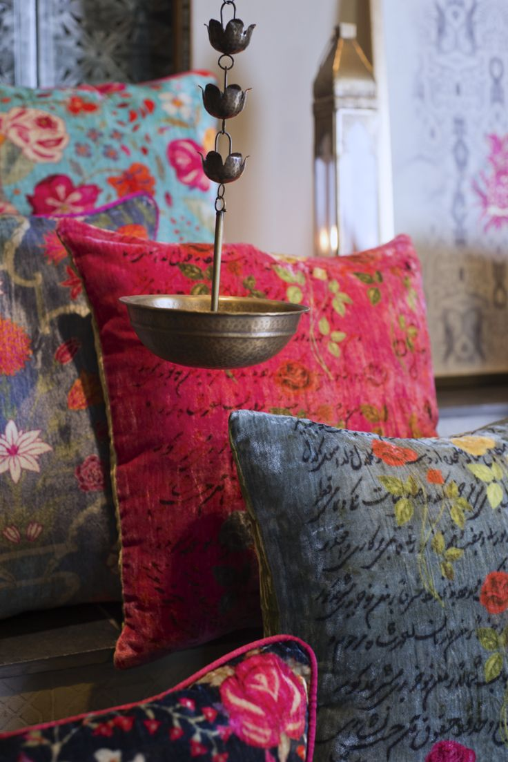 PARADISE CUSHIONS The vibrant silk velvet cushions draw from Kashmir's rich textile heritage to add a rich pop of colour. The cushion collection includes: - 'Gulaab' cushions with a play of roses and calligraphy - 'Farah Baksh' cushions featuring blooming wild roses inspired by a vintage Kashmiri 'kani' shawl - 'Galeecha' cushions inspired by a vintage Kashmiri carpet Available in shades of #cerise, aquamarine, indigo and grey. Shop the #FarahBaksh cushions on our #WebBoutique