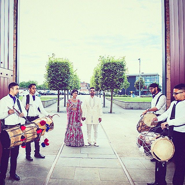 Quick snapshot before escorting the bride and groom #dholregiment #dholplayers #dhol #dholi #professional #photography #wedding #indianweddings #asianweddings #sikhweddings #punjabi #bhangra #desi #brideandgroom #smart #cravat #4manset #team #weddingseason #bride #groom #party