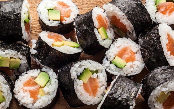 A classic Japanese salmon avocado maki sushi recipe.