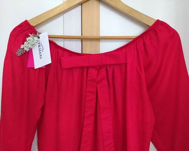 zpr Mulher linda! Na foto de hoje: Nossa blusa ciganinha com mangas 3/4. Nesse Vermelho MARAvilhoso! ♥ 👑 ♥ ➖➖➖➖➖➖➖➖➖➖➖➖➖➖➖➖ Tamanho Único. Veste do 34 ao 38. Se necessário oferecemos ajustes e qualquer tamanho, por encomenda, sem alteração no valor! Todas merecem vestir o que quiser ➖➖➖➖➖➖➖➖➖➖➖➖➖➖➖➖ #mulher #ciganinha #blusa #fashion #moda #modafeminina #mulheres #vermelho #red #fashionnews #musthave #bloggers #cigana #lacinho #feminina #linda #instafashion #instapic #cor #vestir #lookdodia…