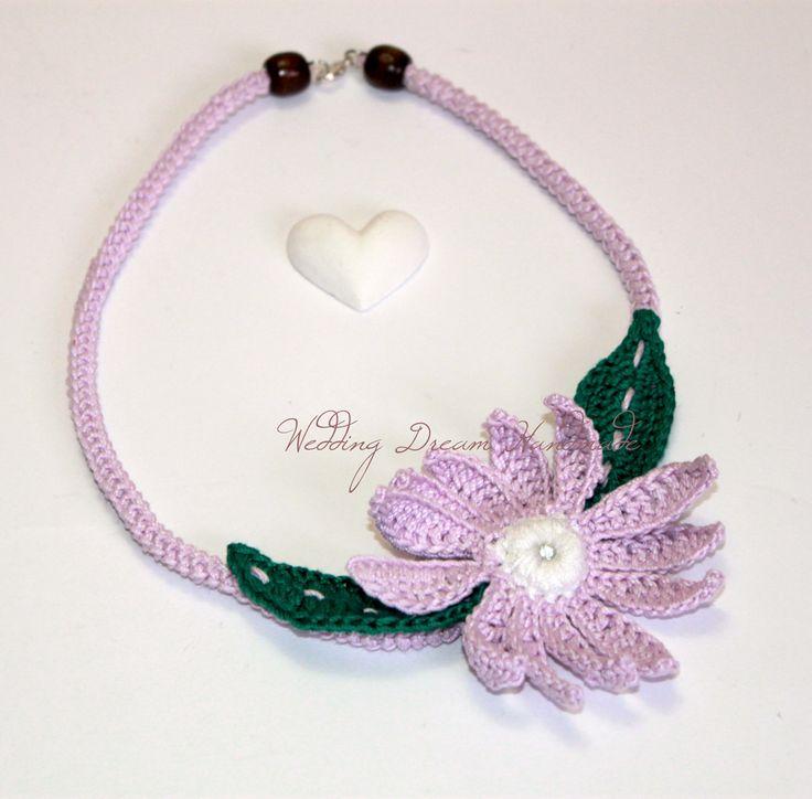 Collana uncinetto; girocollo con fiore; gioielli fatti a mano; collarino artigianale; gioielli eco friendly; collana handmade