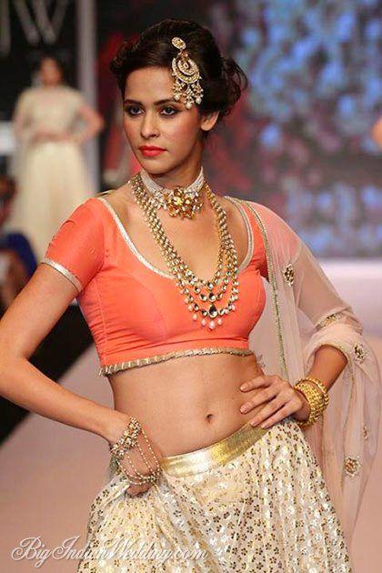 IIGJ Delhi at India International Jewellery Week 2014