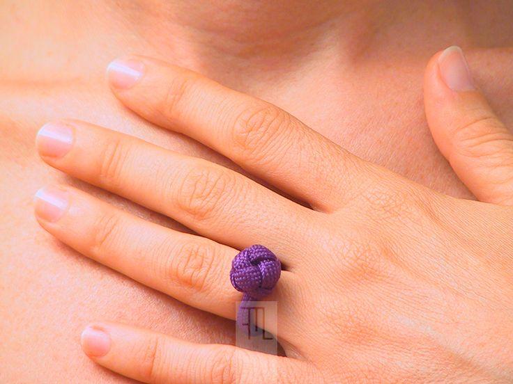 Anelli - anello dell'amicizia intrecciato in paracord viola - un prodotto unico di FMLdesign su DaWanda